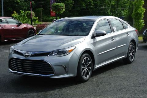 New 2017 Toyota Avalon XLE Premium With Navigation